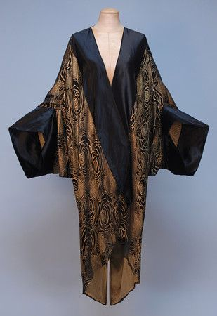 Paris label silk and lame cocoon style evening coat, circa 1920